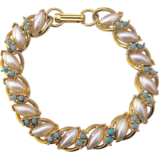 Vintage Florenza Faux Pearl and Gold Tone Bracelet