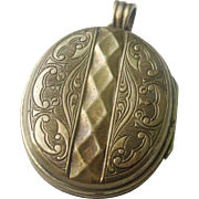 Antique Victorian Oval Two Picture Locket
