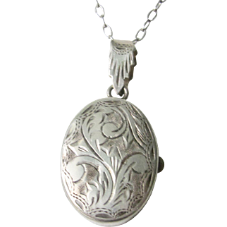 Vintage Sterling Silver Locket With Sterling Silver Chain