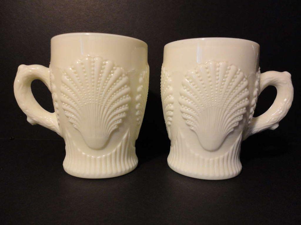 Pair FENTON Beaded Shell for LG WRIGHT Opaque Uranium Custard Glass Cups Mugs