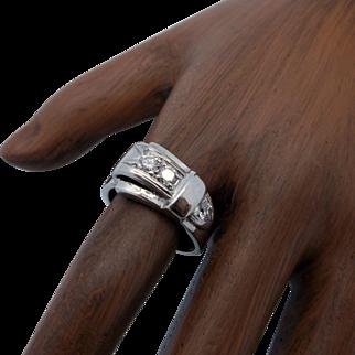 14K Gold 0.30 Diamond Buckle Ring