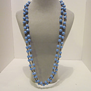 Lovely Vintage Periwinkle Plastic beaded Necklace