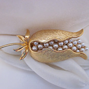 Vintage Woodcraft Gold-Tone & Faux Pearl Brooch