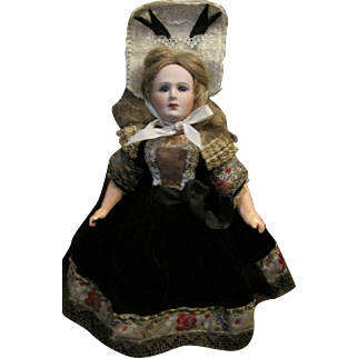 "11"" Jumeau Great Lady MIB and dressed in Provincial Costume"