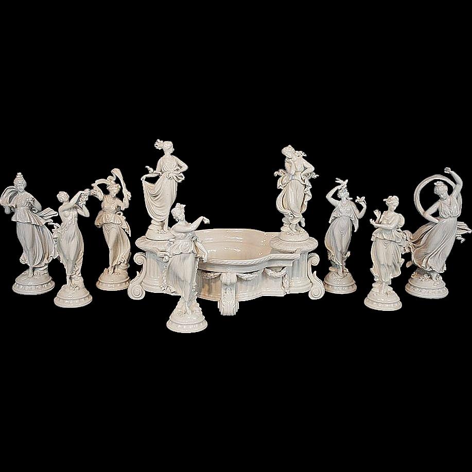 Antique capodimonte centerpiece 7 dancing figurine set for Table de chine
