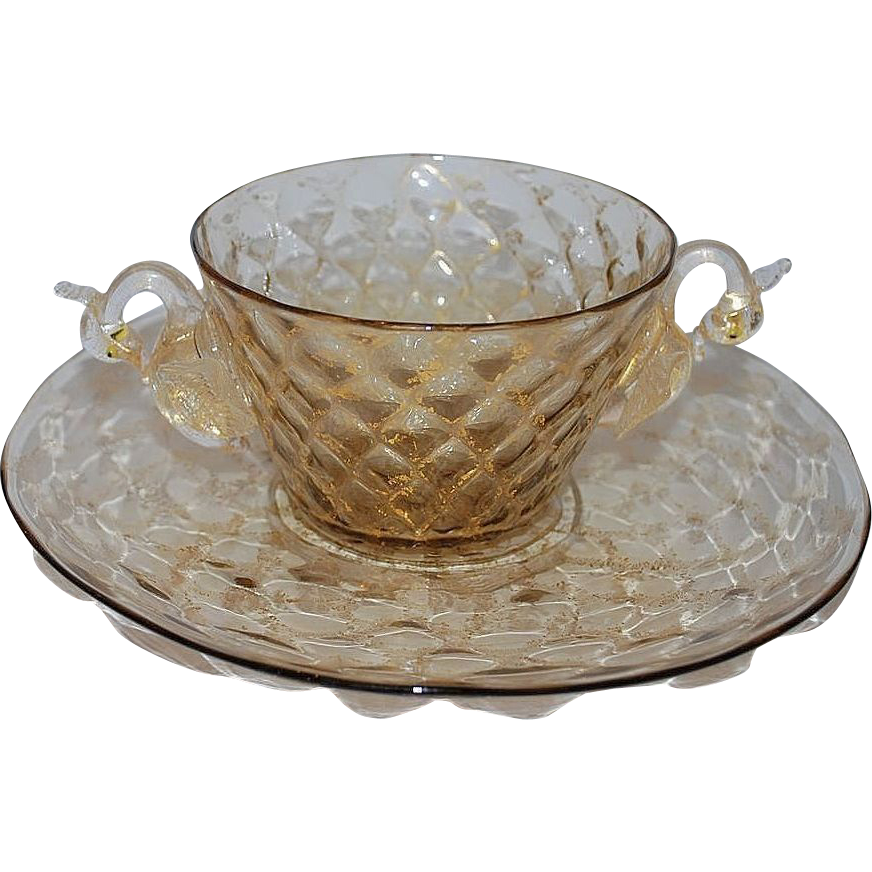 vintage venetian glass swan bowl plate 2 of 3 from raritetantique on ruby lane. Black Bedroom Furniture Sets. Home Design Ideas