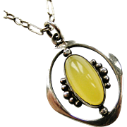 Vintage Edwardian sterling silver and agate pendant