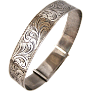 Edwardian sterling silver expanding engraved bangle