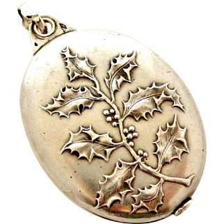 French art nouveau 800-900 silver Holly slide locket