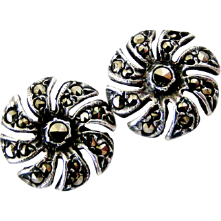 Vintage sterling silver marcasite hook in flower earrings