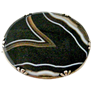 Antique Victorian Scottish banded agate brooch in sterling silver