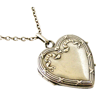 French antique art nouveau heart locket in 800-900 silver