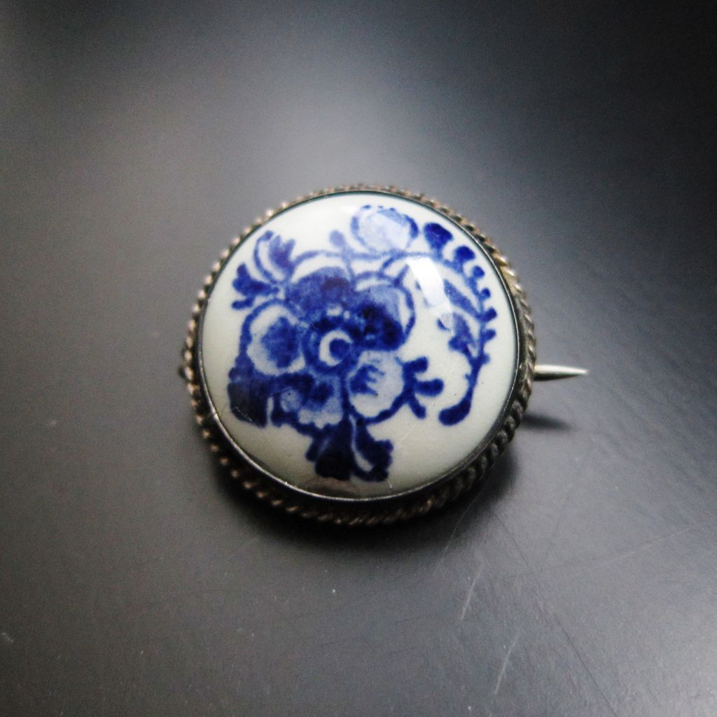 Blue and white pottery - Vintage Silver Blue And White Pottery Brooch Dutch Hallmarked