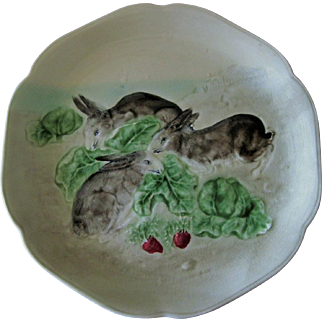 Circa 1900 Choisy Le Roi French Majolica Rabbit Plate With Radishes