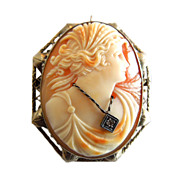 Vintage 14k Gold Cameo with Diamond