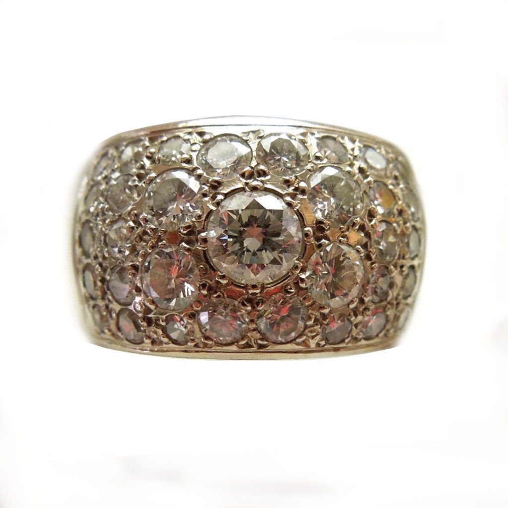 14k Gold and Pave Diamonds Ring