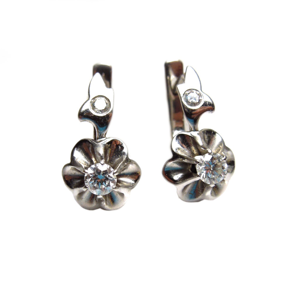 18k white gold diamond earrings from cometiques on ruby lane