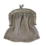 Vintage Chain Mesh Clasped Purse