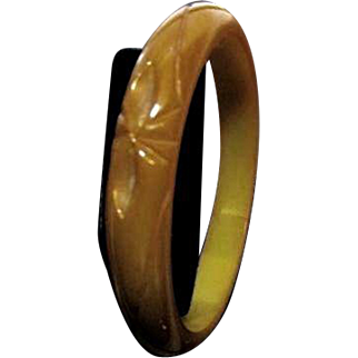 Deep Butterscotch Carved Bakelite Bangle