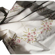 Vintage Hand Embroidered Tablecloth & Napkins