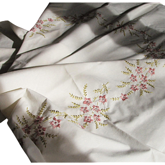Vintage Hand Embroidered Tablecloth & Napkins