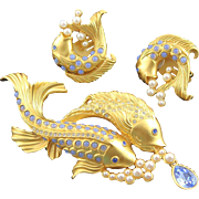 Outstanding Elizabeth Taylor Sea Shimmer Brooch & Earrings