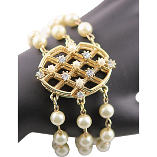 Vintage 1960's Pearl Rhinestone & Gold Colored Chain Bracelet