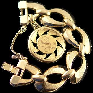 Spectacular Vintage Monet Gold Colored Single Charm (L) Bracelet