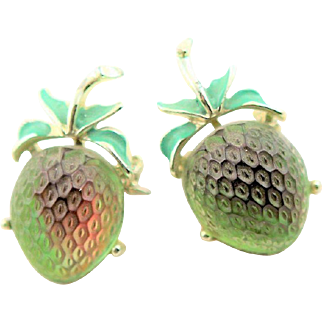 Beautiful Vintage Green Art Glass Strawberry Scatter Pins