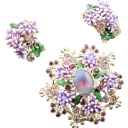 Beautiful & Unique Vintage Lavender Florenza Brooch & Earrings