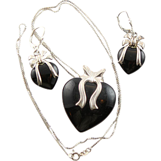 Beautiful Hearts & Bows In Black Onyx & Sterling Silver, Pendent, Chain Necklace & Earrrings