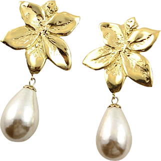 Extra Large Richelieu Gold Flower & White Synthetic Pearl Drop Earrings