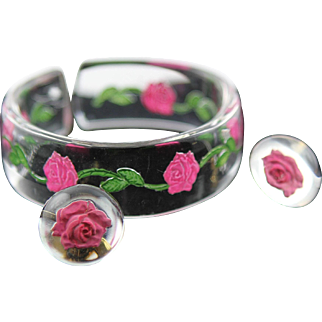 Vintage Clear Lucite With Reverse Painted Pink Roses Bangle Bracelet & Earrings