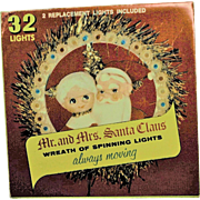 Rare Vintage Electric Mr. & Mrs. Santa Moving Lights Wreath