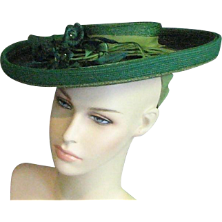 Exceptional Hat From 1910-1920's Seldom Seen Green Straw Fabric Flowers Circular Hat.