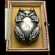 A Gorham & Co. Figural 800 silver Frog Matchsafe