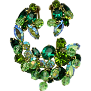 KRAMER Vintage Shades of Green Rhinestone Brooch Earring SET Demi Parure