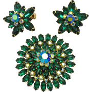 BEAU JEWELS Emerald Rhinestone Brooch Pin Earring Set Mint