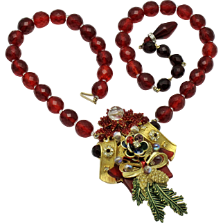 Stunning STANLEY HAGLER Red Glass Crystal Beaded Seed Pearl Necklace