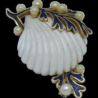 CROWN TRIFARI 'Under the Sea' Seashell  Brooch Pin