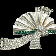 PENNINO 1940s Invisibly Set Emerald Rhinestone Fan Brooch Pin