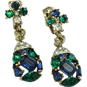 CROWN TRIFARI Jeweled Symphony 1956 Emerald Sapphire Crystal Drop Dangle Earrings