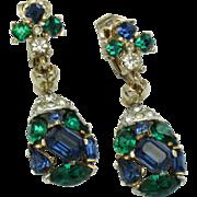 CROWN TRIFARI Jeweled Symphony 1956 Emerald Sapphire Crystal Drop Dangle Earrings