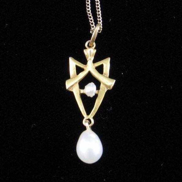 Art Nouveau Gold and Cultured Pearl Lavaliere