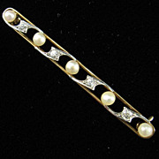 Sophisticated Edwardian Diamond and Pearl Bar Pin