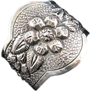 Maciel Cuff Bracelet with Flower Motifs