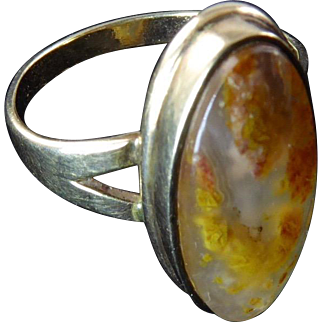 Antique Agate and 10 Karat Gold Ring