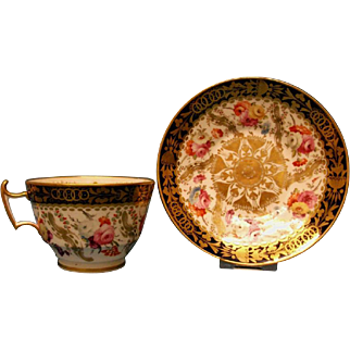 An Attractive Coalport London Shape Tea Cup and Saucer, c.1820