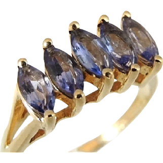 Contemporary Tanzanite Ring 14k Yellow Gold 1990s
