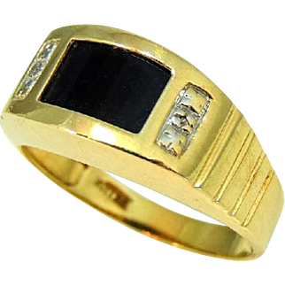 Men's Onxy Ring 10k Gold Setting Contemporary Vintage Diamond Accent